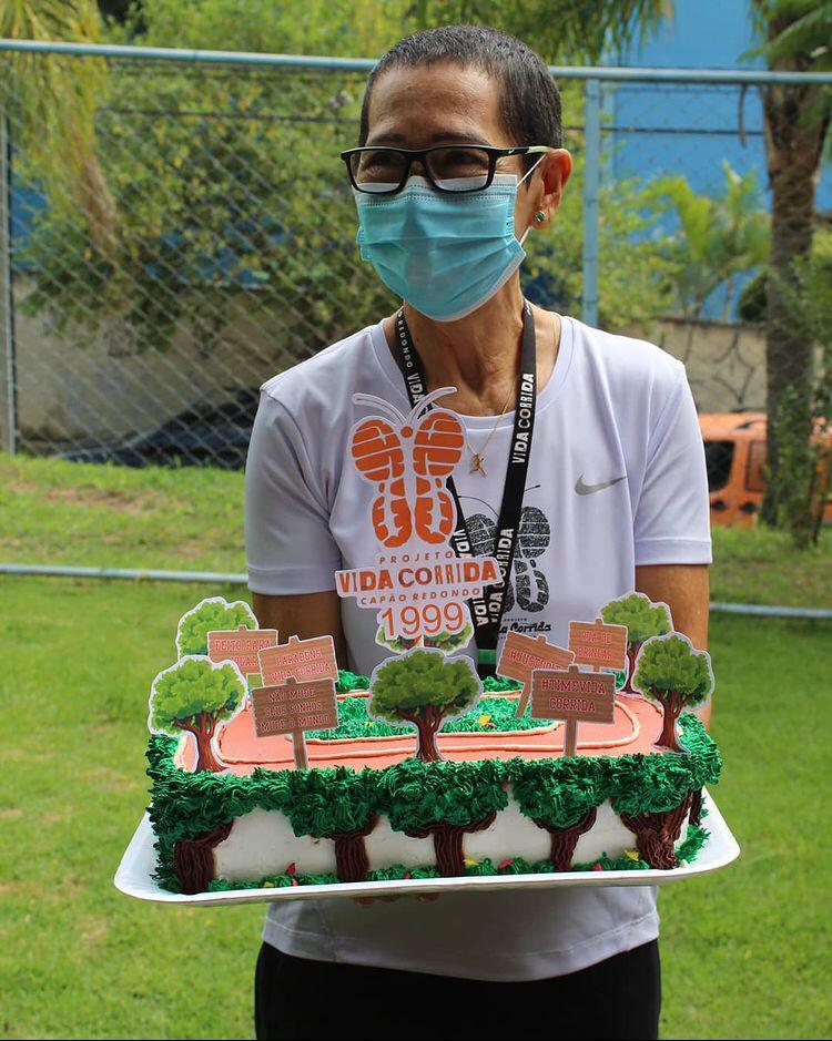 No dia 15 janeiro o Projeto Vida corrida completou 22 anos de existência e tivemos um lindo bolo para comemorar!!!